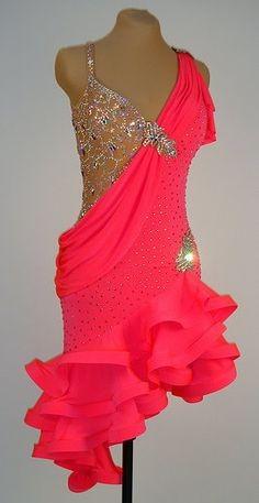 460511f61e8e Tanečné šaty